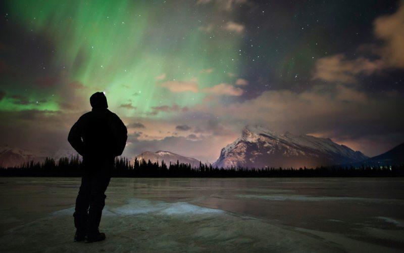 Northern lights sightseeing at Vermilion Lakes, Banff National Park. Photo: Paul Zizka.