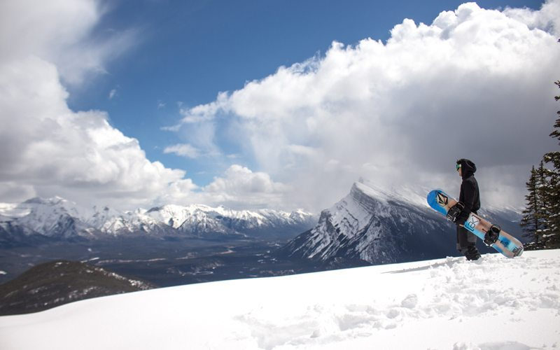 April 11, 2017: awesome spring skiing conditions at Mt Norquay. Photo: Ski Big 3/Luke Sudermann
