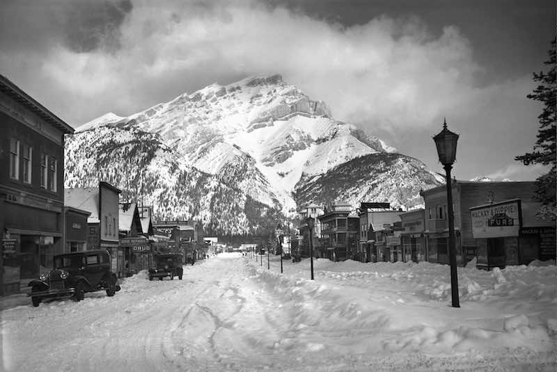 Banff Avenue (Main Street), [ca. 1925], George Noble fonds, V469/245, Whyte Museum of the Canadian Rockies. Photo courtesy of Whyte Museum of the Canadian Rockies.