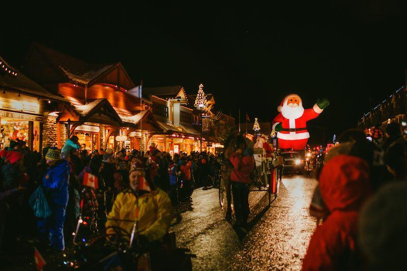 Santa Clause Parade of Lights on Banff Avenue. Photo by Kelly MacDonald.