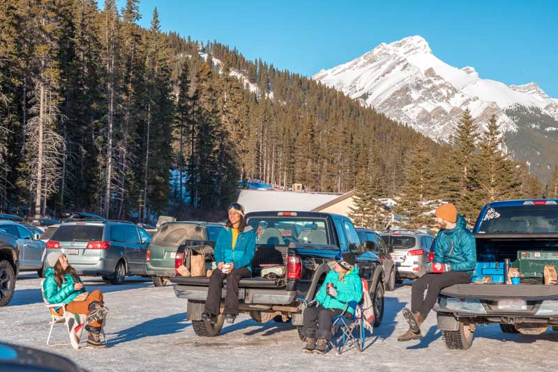 Tailgate picnic at Mt. Norquay. Photo by Will Lambert.